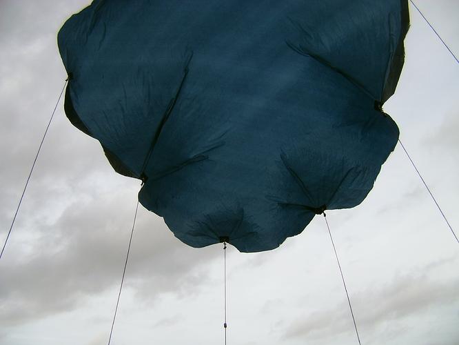 parachute%202%20m%20en%20vol